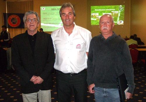 Peter Schreiner, Andreas Singer, Giri Zabalak (Leiter der Fußballausbildung in Tschechien)