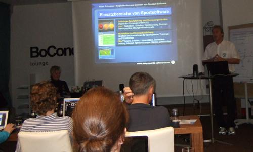 Peter Schreiner hält Vortrag zu Software bei der DFB-Tagung